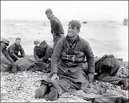 rosenblum_walter_gelatin_d-day_landing_normandy_beach_1944_11x14_L